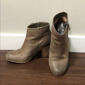 BP women's leather booties size 6